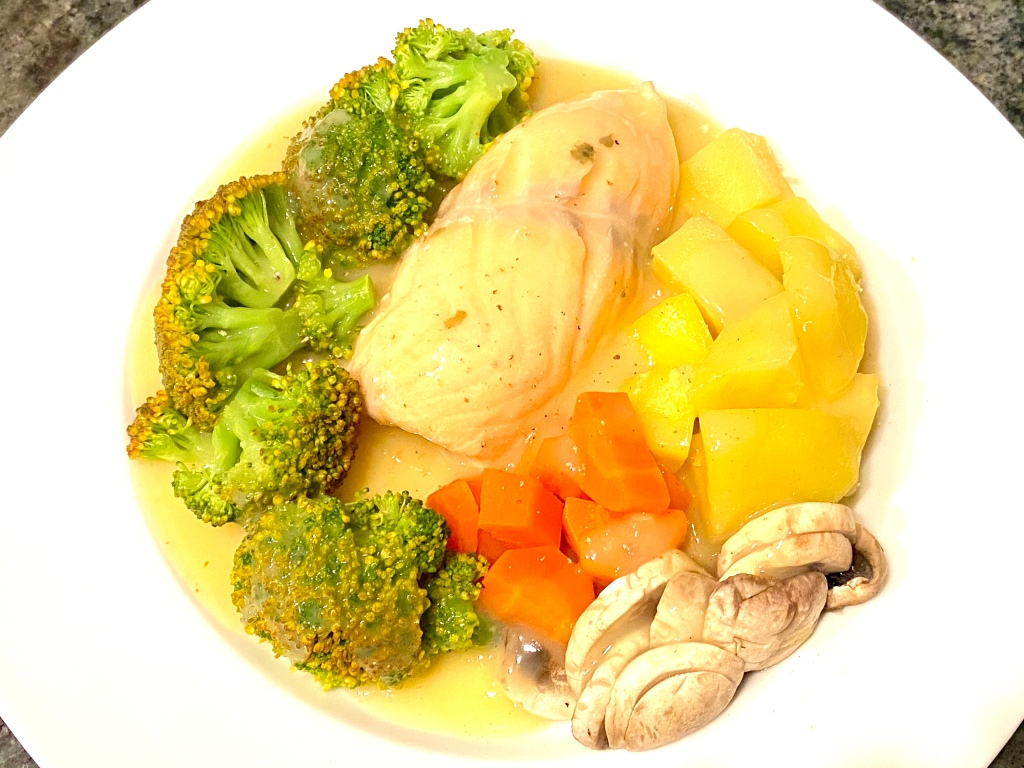 Salmon, carrots, broccoli, mushroom, yummy, creamy